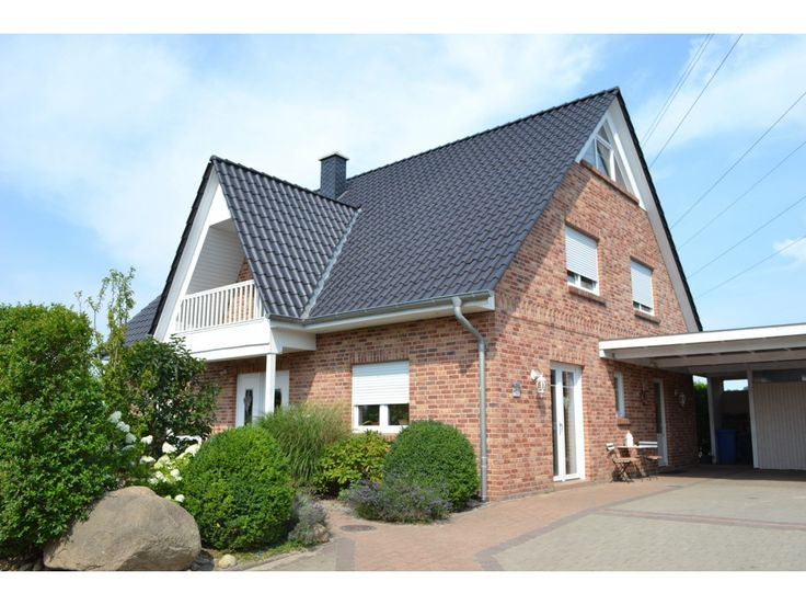 Hausfassade grau rot die besten ideen zu hausfassade for Mietshaus bauen