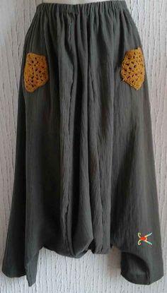 Sarouel réalisé en crépon de coton à partir du patron de sarouel gratuit Coupe et Couture Loisirs