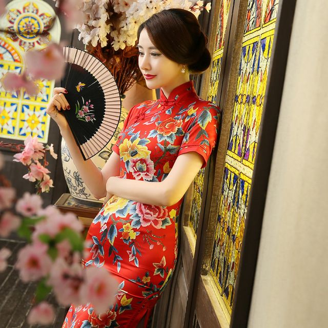 Retro Floral Print Satén de Seda de Oro Mandarina Cuello Largo Cheongsam Qipao Chino Vestido de Split Back Zipper Manga Corta Vestidos