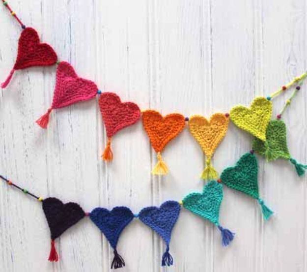 DIY Teen Room Decor Ideas for Girls | Crochet Heart Bunting for Little Hearts Matter | Cool Bedroom Decor, Wall Art & Signs, Crafts, Bedding, Fun Do It Yourself Projects and Room Ideas for Small Spaces http://diyprojectsforteens.com/diy-teen-bedroom-ideas-girls
