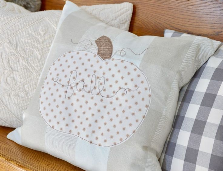Tutorial: Rustic farmhouse pumpkin pillow – Sewing