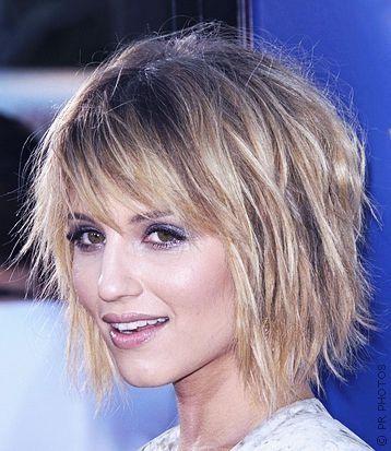 medium layered hair with bangs