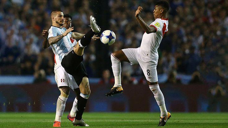 ICYMI: Messi mira apenado la Copa Mundial y Bruce Lee portero en Bolivia: Los mejores memes de la Conmebol