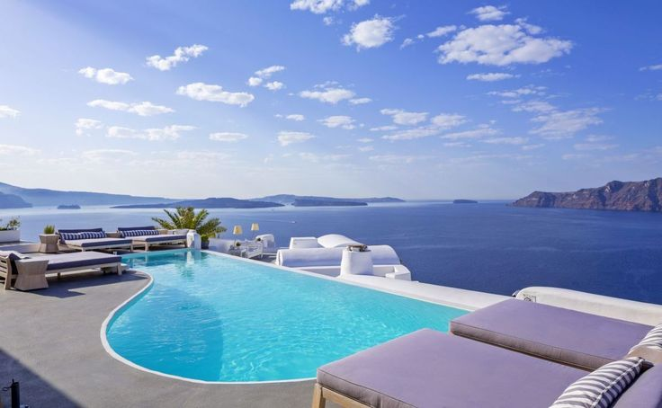 Katikies Hotel Voted Best in Greece and Among Top in the World for 2017.