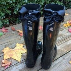 PoppyClips bows for rain boots! $25 No need to buy Joules, just clip the bows on the back of my hunters!