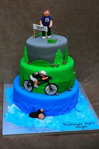 Triathlon cake <cool waves on bottom layer>