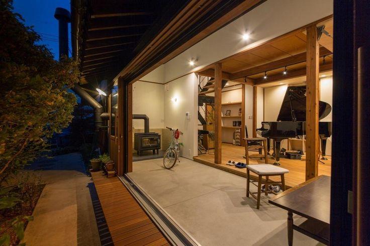 古くから日本家屋の暮らしに取り入れられてきた土間。今、その土間の多目的・多用途な使い方に注目が集まっています。外と内をつなぐ土間は時代の変化に対応しながら、新…
