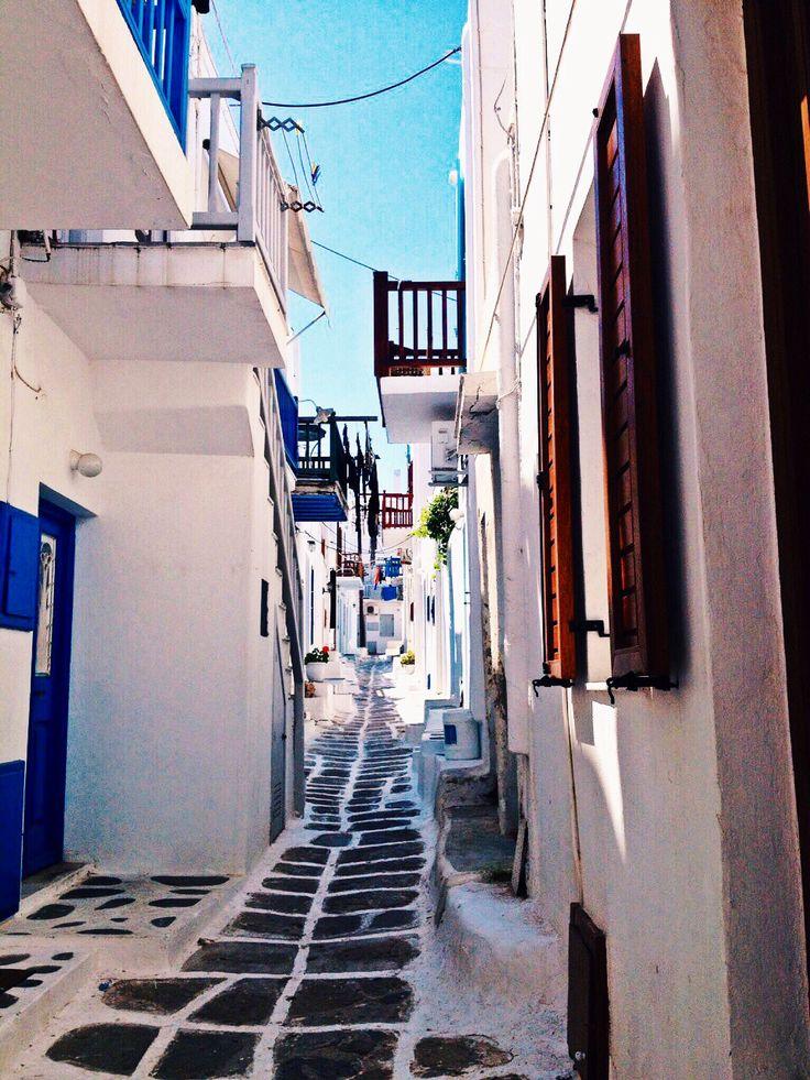 Lane ways and secret streets all over Mykonos