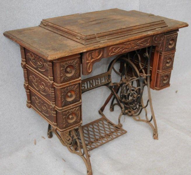 Art Nouveau Singer Treadle Sewing Machine Love this - 52 Best Singer Treadle Cabinets Images On Pinterest Antique Sewing
