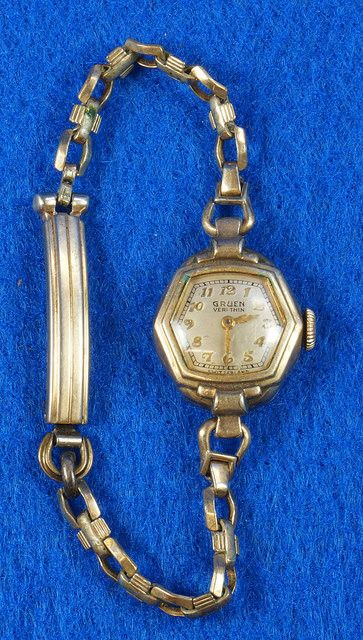 Vintage Gruen Veri Thin Ladies Watch Switzerland  eBay Link: http://www.ebay.com/itm/Vintage-Gruen-Veri-Thin-Ladies-Watch-Switzerland-/291833906794  RD12978  Go back to Tin Can Alley - FOR SALE: http://www.bagtheweb.com/b/PBdAfQ