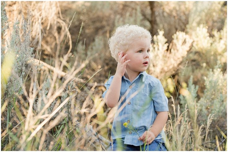 Kamloops family photographer golden hour session