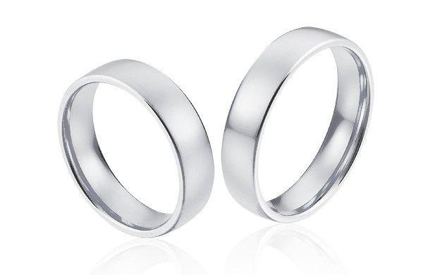 Gladde brede trouwringen in hoogwaardig witgoud. Brede ring met een stoere en tijdloze uitstraling.