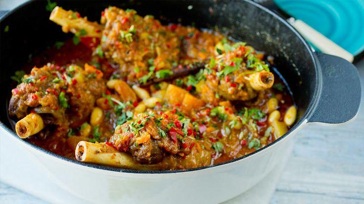 Marokkansk-inspirerte lammeskanker med potet, søtpotet og tomat