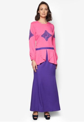 Baju Kurung Modern from Gene Martino in Pink and Purple Gene Martino returns with a modernized take on your traditional wear. The Baju Kurung Modern features a front split detail with lace embroidery, accompanied by a slender silhouette while keeping it modest and chic. Top - Polyester - Round ne... #bajukurung #bajukurungmoden