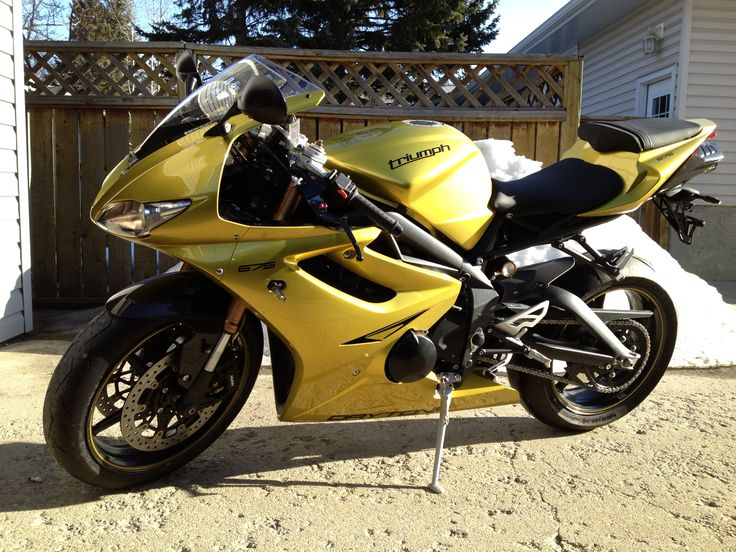 2013 Sulfur Yellow Daytona outta the box yippy :)