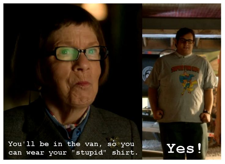 """Hetty assists the Scorpion team with their wardrobe for a sting operation: """"You'll be in the van, so you can wear your 'stupid' shirt."""" (Sylvester: """"Yes!"""")"""