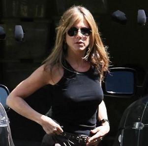 Jennifer aniston, Jennifer o'neill and New movies on Pinterest