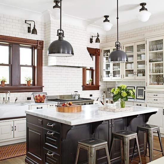 Modern White Kitchen With Island And Pendant Lights: Kitchen Pendant Lighting Tips