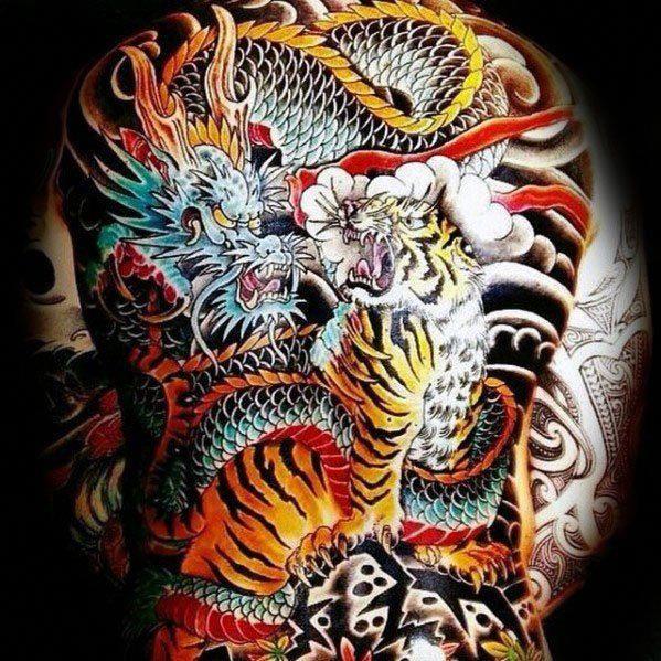 40 Tiger Dragon Tattoo Designs Fur Manner Manly Ink Ideen Designs Dragon Ideen Manly Tattoo T Tattoos For Guys Japanese Tattoo Designs Japanese Tattoo