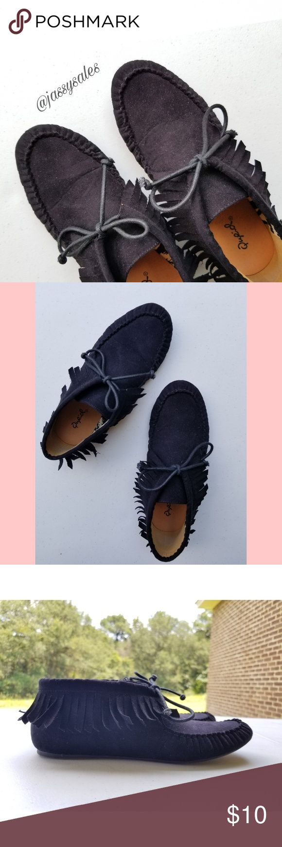 Charlotte Russe Qupid Black Moccasins 》 Size: 7.5 WOMEN'S  》 Condition: These cute little moccasins are almost new; they've only been worn 2 or 3 times! I purchased them from Charlotte Russe and they are of the Qupid brand.  ♡ Ask about bundling! I give special deals on bundles! (: Qupid Shoes Moccasins