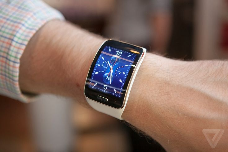 Samsung Gear S: wearing the most powerful smartwatch yet   The Verge