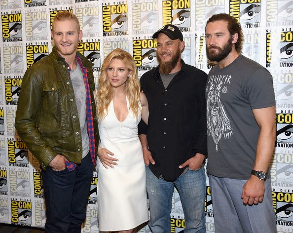 "Travis Fimmel Photos - (L-R) Actors Alexander Ludwig, Katheryn Winnick, Travis Fimmel and Clive Standen attend ""Vikings"" during Comic-Con 2014 at the Hilton San Diego Bayfront on July 25, 2014 in San Diego, California. - ""Vikings"" At Comic-Con 2014"