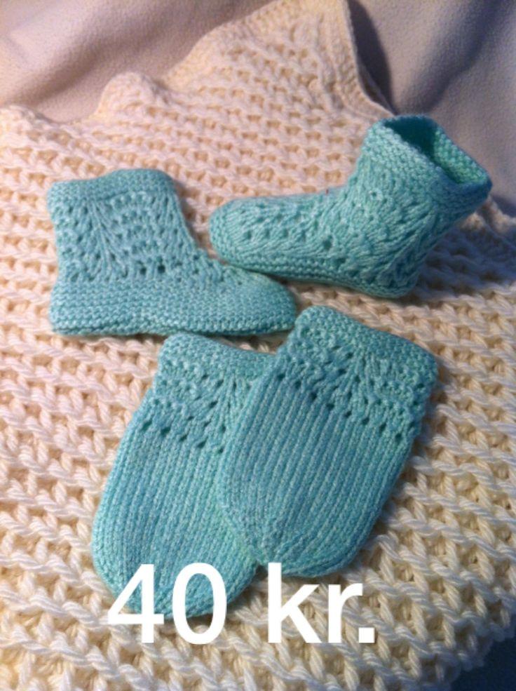 Vanter og sutsko, strikket. Laves i flere størrelser og farver. kontakt: unamikarina@yahoo.dk