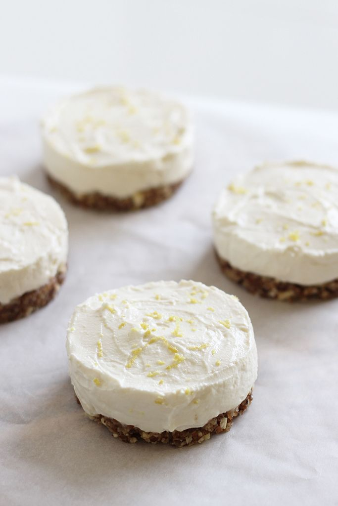 mini cheesecakes with lemon