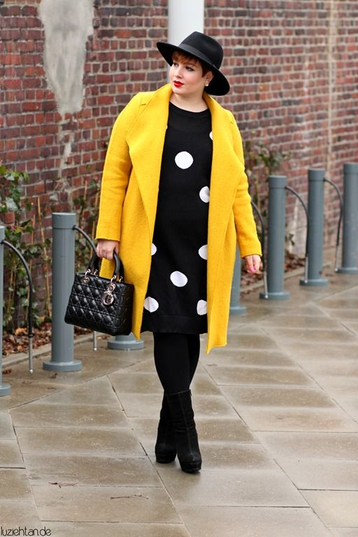 Great combination! Love the coat! Go yellow!