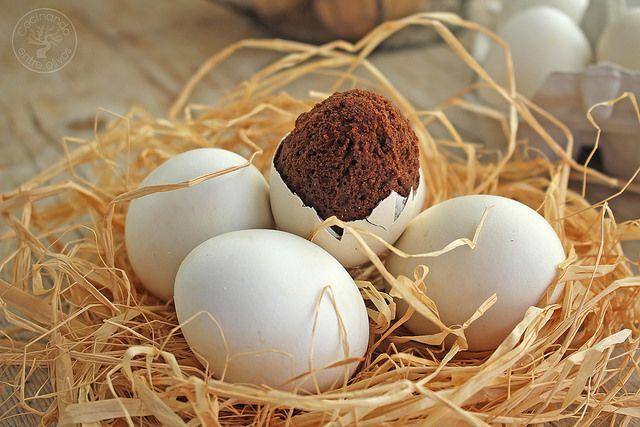 Cómo hacer huevos rellenos de brownie de chocolate, receta paso a paso