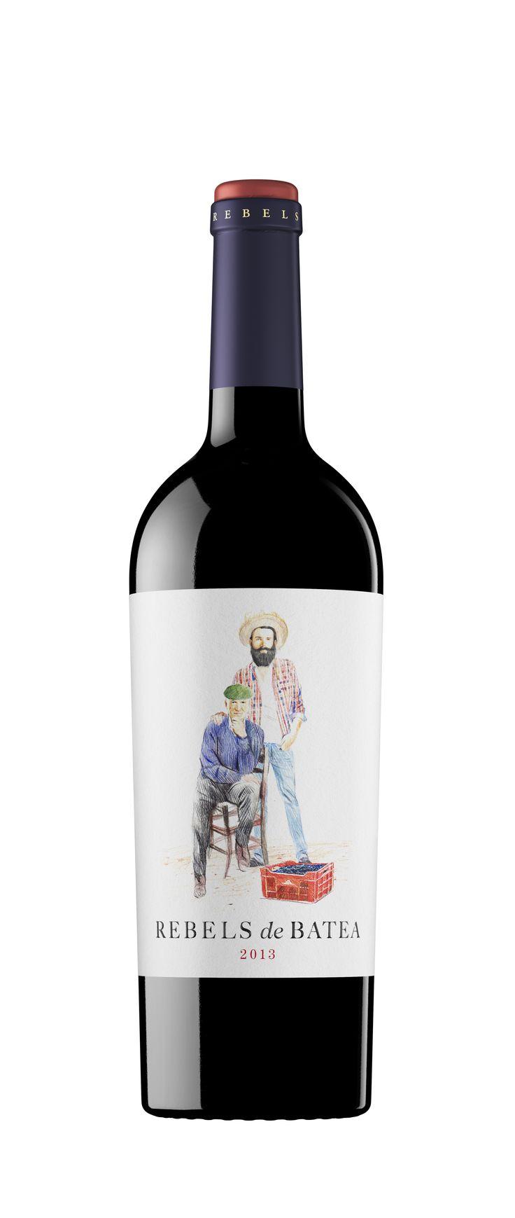 Rebels de Batea tinto 2013 intenso color picota, con aromas francos de fresas y cerezas negras y un paladar suave, sedoso y afrutado, con taninos redondos y buena persistencia. Fresco, puro, fragante y auténtico, es un vino equilibrado, con ricos matices de ciruela madura, ligeras notas de hierbas silvestres y una nítida impronta mineral propia de los terrenos calcáreos donde crecen las viñas de garnacha, íntimamente relacionadas con la historia y el ideario vinícola catalán. #taninotanino