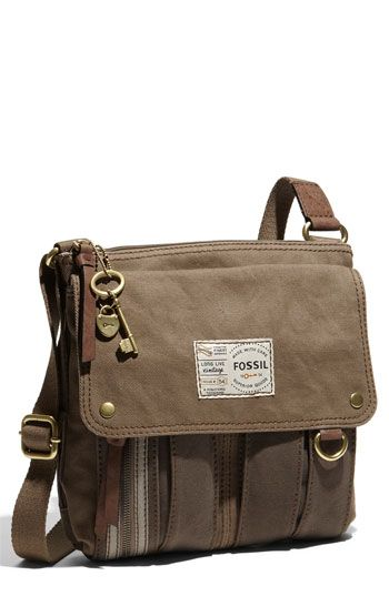 I love the way this canvas purse looks, it makes me think of a high end safari!