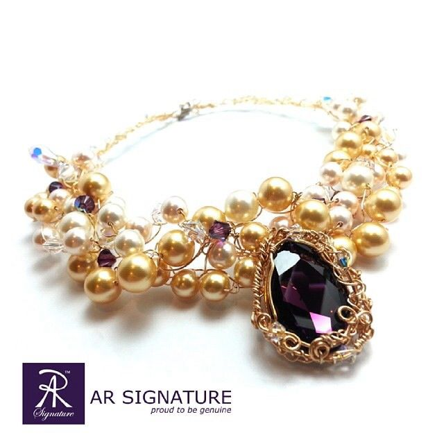 AR Signature  100% handmade necklace using genuine Swarovski Elements (swarovski crystal & swarovski pearl)  Please visit : www.arsignature.com
