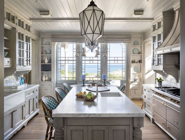 Robert A.M. Stern Architects - Residence in East Quogue