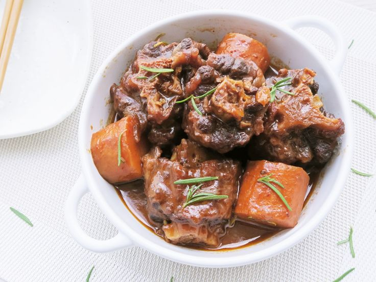 Braised Oxtails with Red Wine Sun-dried Tomato Sauce ????????