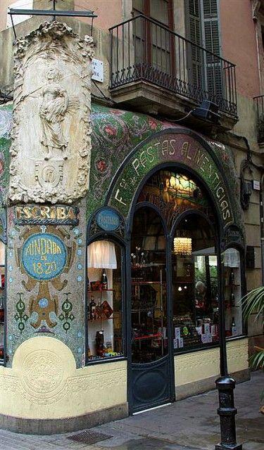 Charming #StoreFront of Antigua Casa Figueras - #Barcellona- #Shopfront