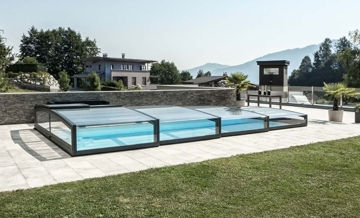 Pool Enclosure POPP PRESTIGE P7 without leading trail - so not to disturb the immediate proximity of the pool