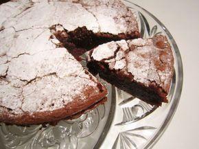 Le moelleux smeuige chocoladetaart. Krokant van buiten heerlijk van binnen en dat alleen maar met pure chocolade, eieren boter en suiker hmm