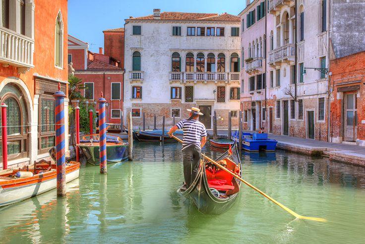 4* Venice Break, Fights & Gondola Serenade Tour