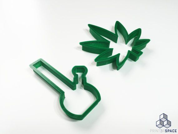 Bong and Kush Kutter Set - Marijuana Cookie Cutters