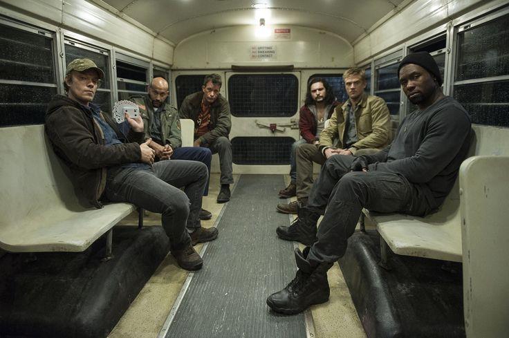 Shane Black releases new 'The Predator' cast image https://twitter.com/BonafideBlack/status/839652823373524993/photo/1?ref_src=twsrc%5Etfw #timBeta