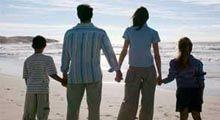 İngiltere Yerleşim Vizesi İngiltere'deki eşinizle artık bir araya gelip mutlu bir aile olarak yaşamak mı istiyorsunuz? Gelin, bu hasrete bir son verelim, İngiltere'ye yerleşiminizin mimarı olalım! https://www.ingiltereyevize.net/ingiltere-yerlesim-vizesi/