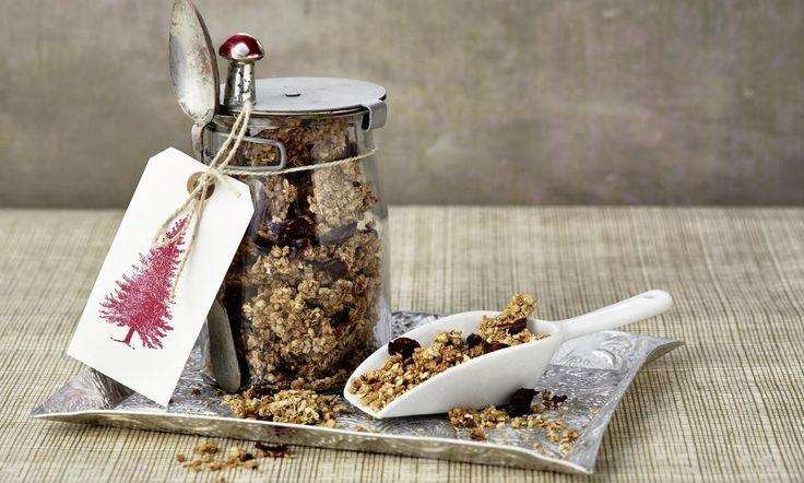 Weihnachtliches Knusper-Müsli Rezept: Knusper-Müsli selbstgemacht - Eins von 7.000 leckeren, gelingsicheren Rezepten von Dr. Oetker!