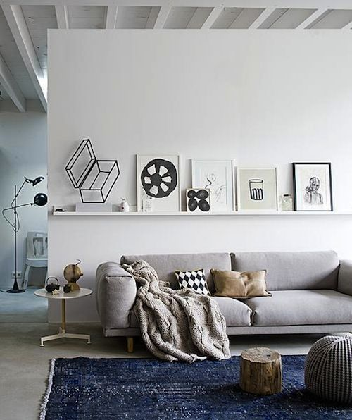 : Living Rooms, Idea, Living Spaces, Blue Rugs, Shelves, Interiors Design, Display Art, Comfy Couch, Colors Schemes