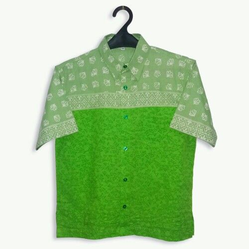 Another selection of fresh green color. #greenoutfit #greenbatik #youngster www.pipopile.com
