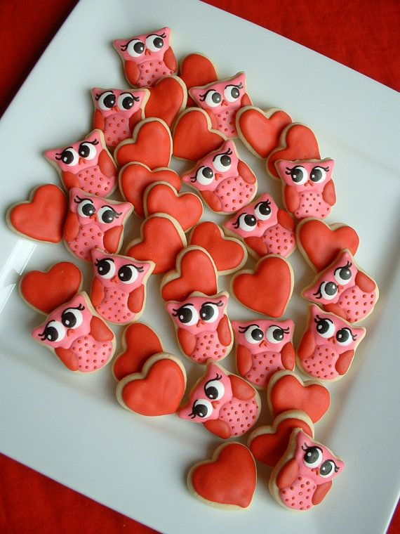 AND Cookies...I need to change this board! Take-your-breath-away adorable Valentine's Day Owl and Heart Cookies. #cute #owls #hearts #kawaii #food #decorated #cookies #red #pink #Valentines