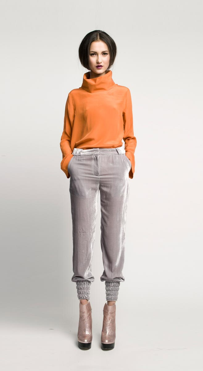 Outfit Idea : orange + grey (instead of black + orange... which I don't like)