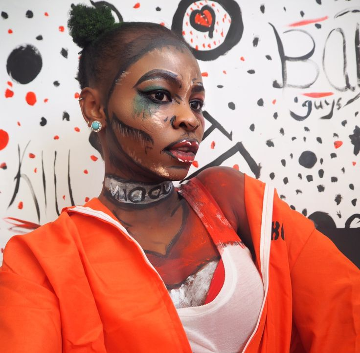 Pop art Harley Quinn suicide squad Afro Halloween makeup + outfit ideas /tutorial  #popart #harleyquinn #suicidesquad #afro #prisoneroutfit #halloween