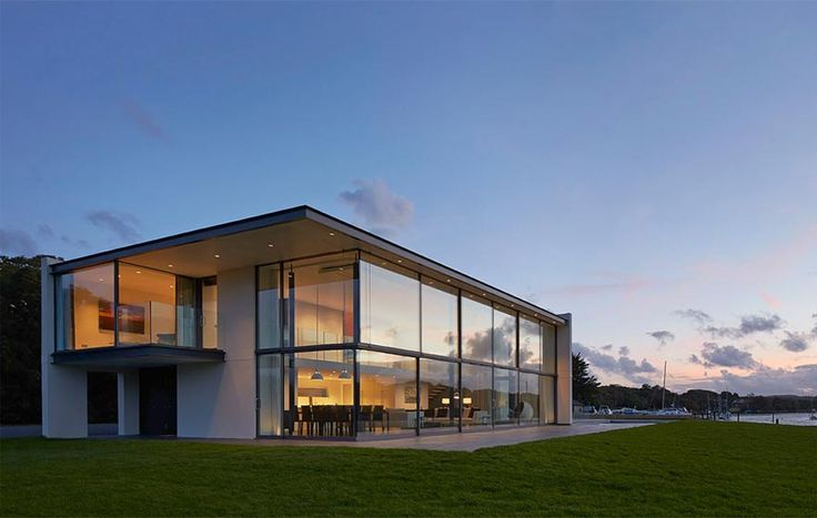 Yachtsman's House, The Manser Practice #house #Isle of Wight #white #translucent #glazing #modern #crisp #elegant #minimal