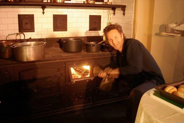 #bartbeek cooking at the #ghostlygourmetadventure at #WerribeePark with #AlaineBeek performing #whatwasthat. #Essenceproductions.com.au